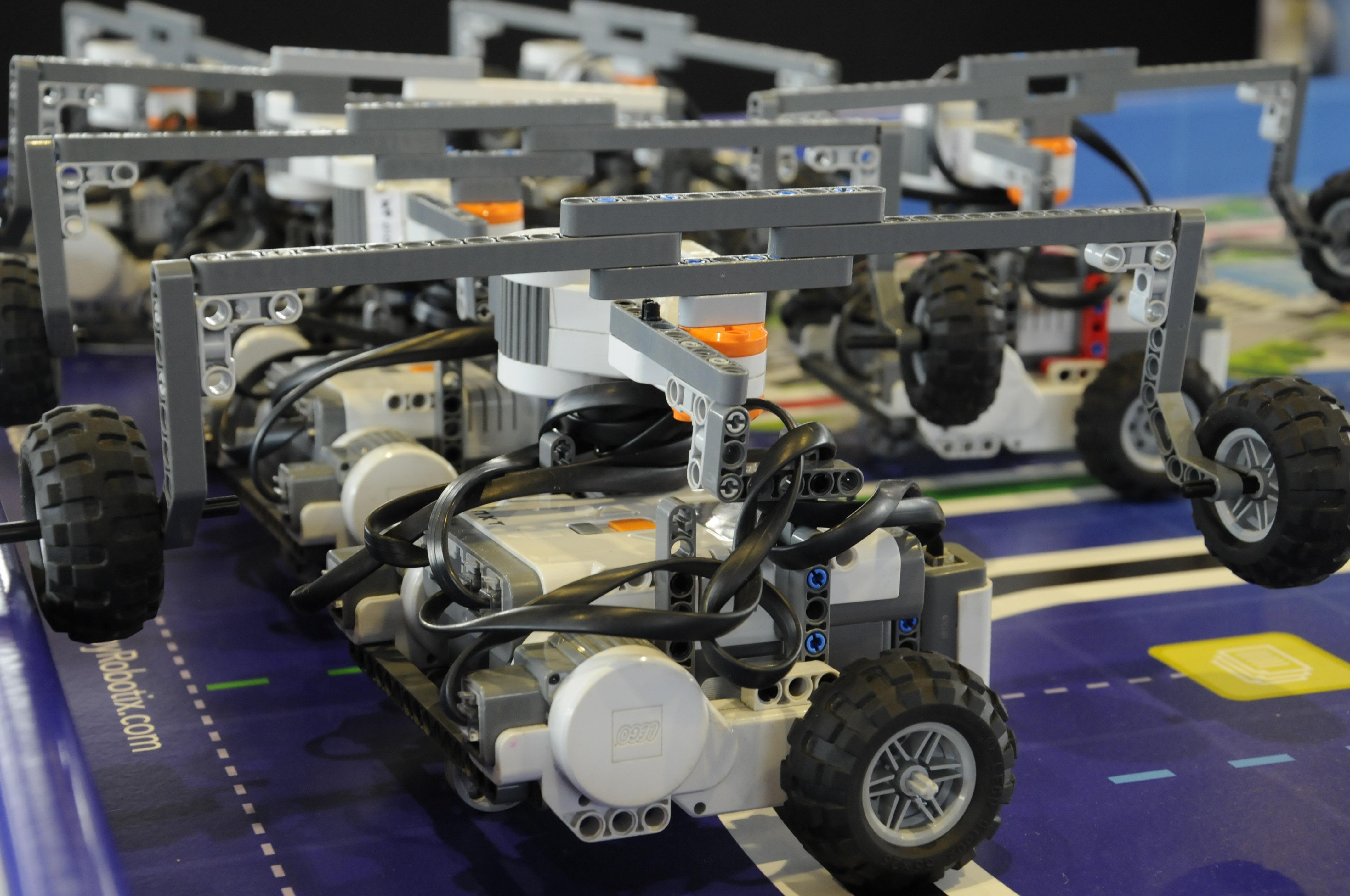 Robots producirán aparatos electrónicos en Baja California