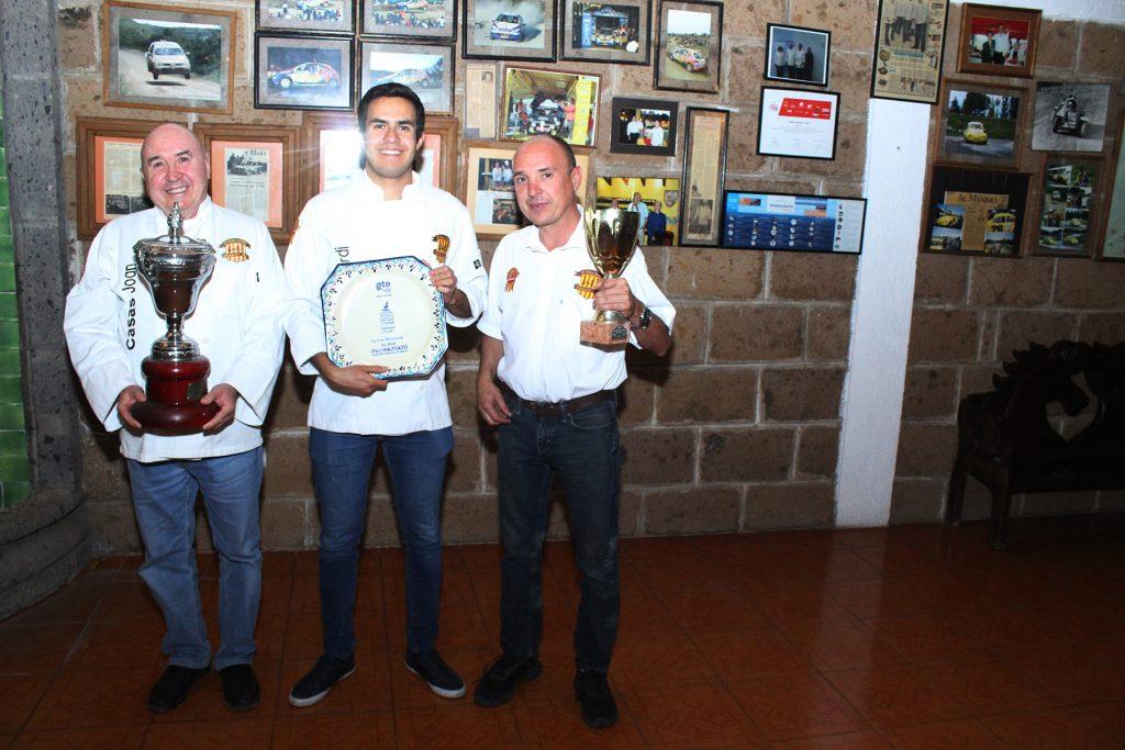 Joan y sus hijos han cosechado premios y distinciones en carreras de autos y concursos culinarios. Crédito: Andrés Téllez Ramírez