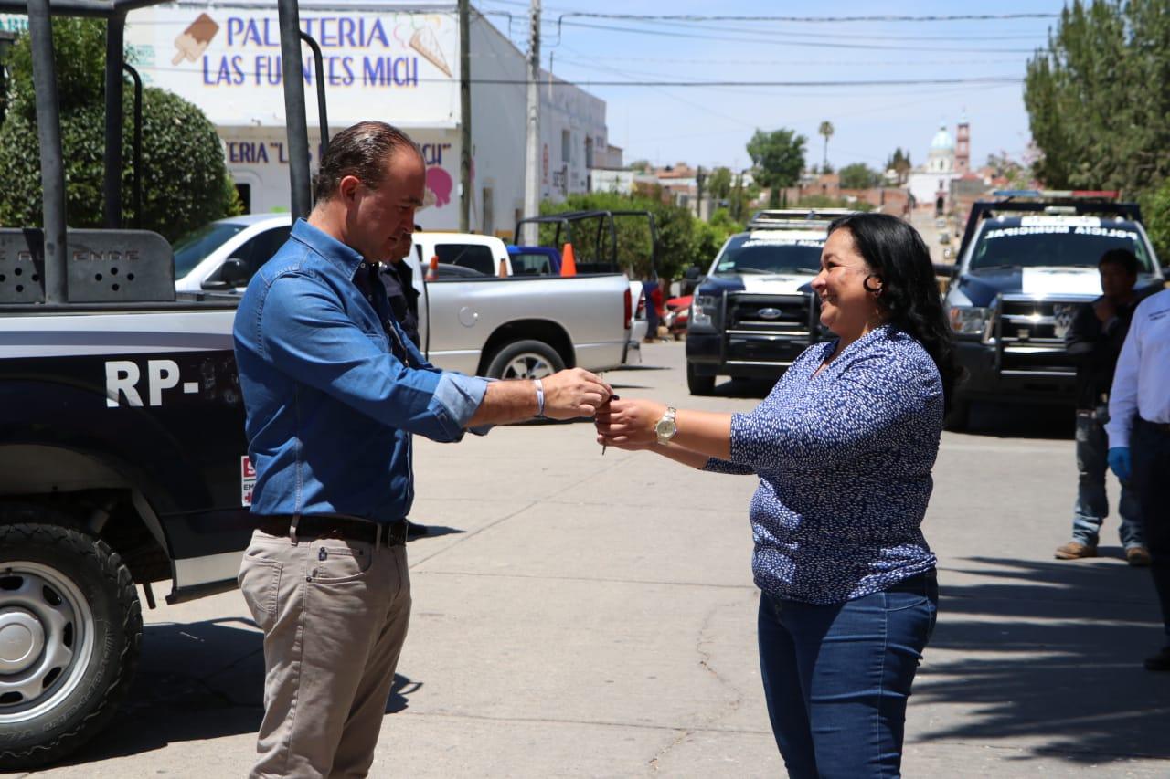 Entrega patrullas alcaldesa Ocampo