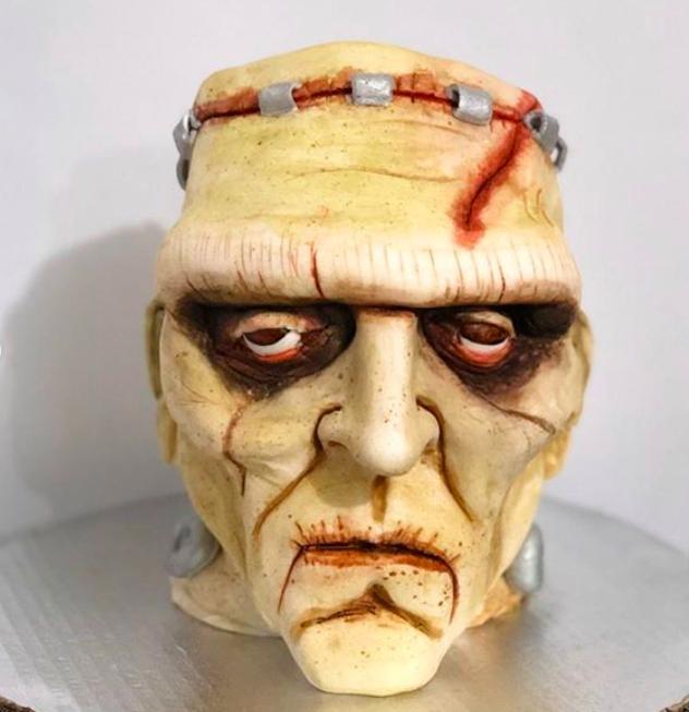 Desde la cabeza de Frankenstein hasta un hot-dog o una cebolla, son parte de sus creaciones. Crédito: Astrid Arellano
