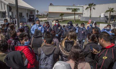 Trabajadores exigen suspensión de operaciones en empresa maquiladora de Tijuana