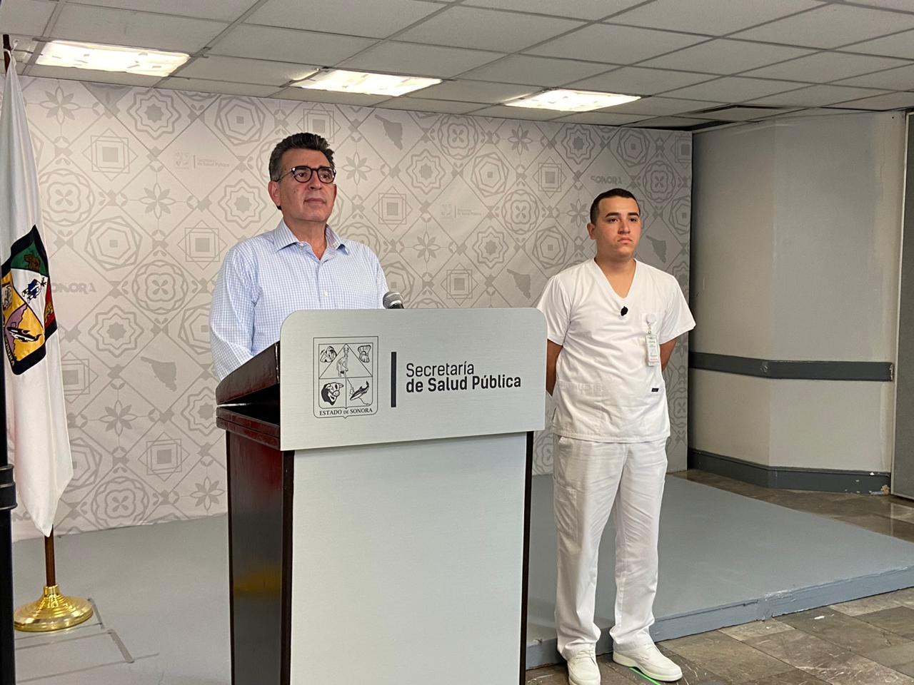 Enrique Clausen Iberri, secretario de Salud en Sonora, dice que comenzaron a hacer llamadas por teléfonos para encontrar a enfermos con Covid-19
