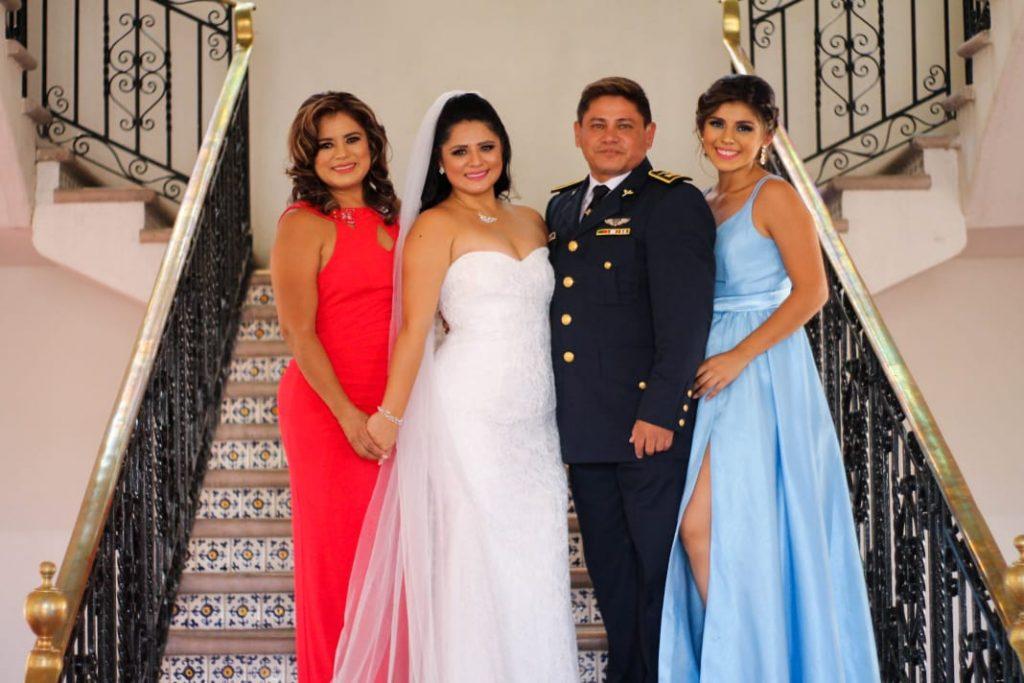Toda la familia Ayala se ha unido al negocio