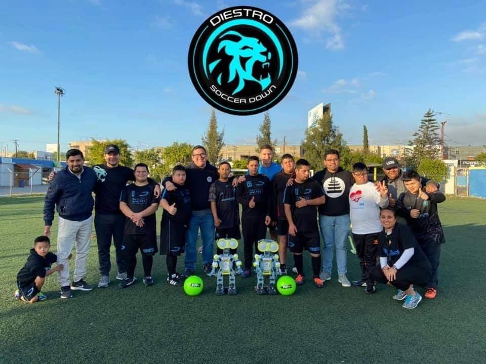 Robot Diestro Soccer Down
