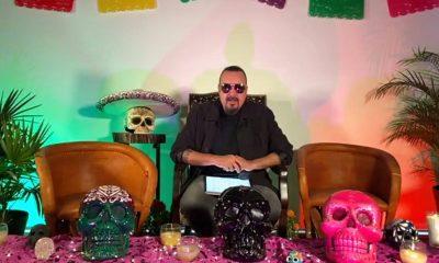 Contiene imagen de interior, hombre, decoración, Pepe Aguilar