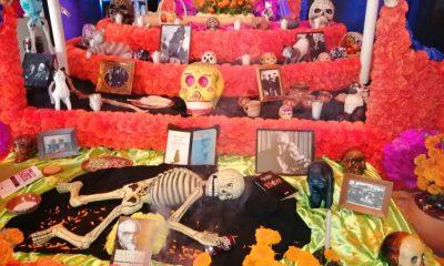 Altar Monsiváis Día de Muertos