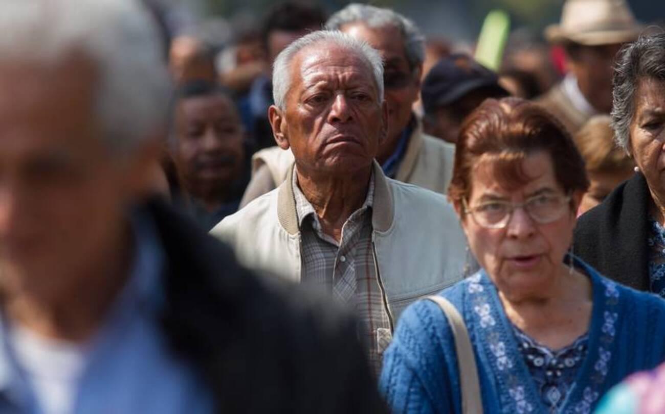 adultos mayores autoservicios