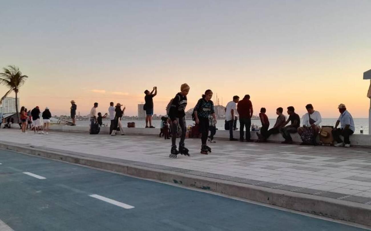 Mazatlán malecón turistas